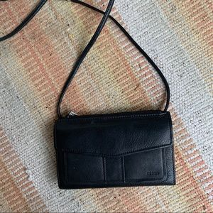 FOSSIL Black Leather Tri-Fold Crossbody Wallet
